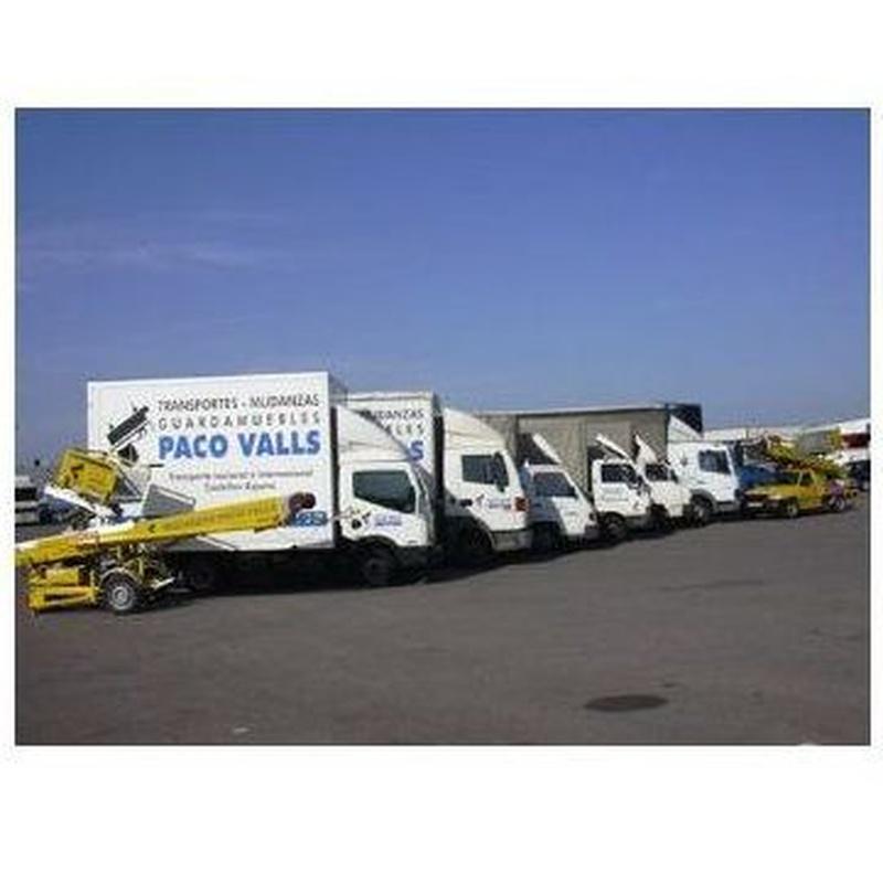 Flota de camiones: Servicios y flota de Mudanzas Paco Valls