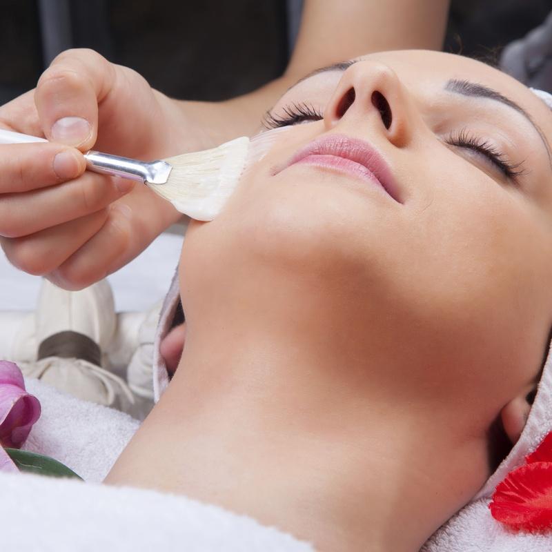 Tratamientos faciales y corporales: Servicios de PELUQUERÍA Y ESTÉTICA ASCEN