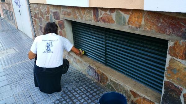 Limpieza de rejillas de respiradero de Garaje.