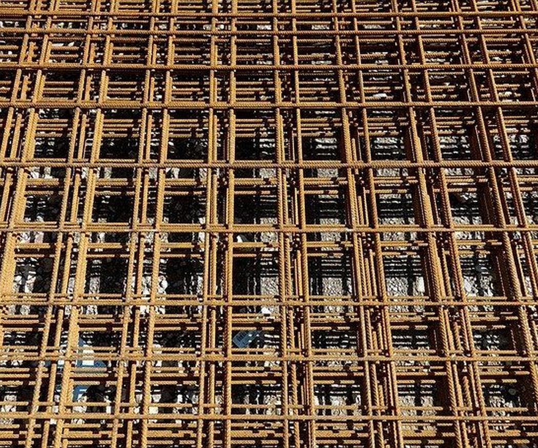 ¿Por qué es recomendable utilizar prefabricados en las estructuras de hormigón?