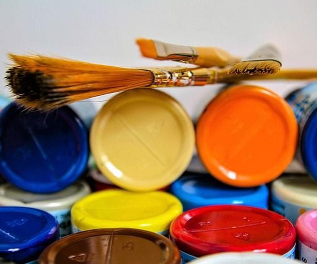 Elegir entre pintura y papel pintado