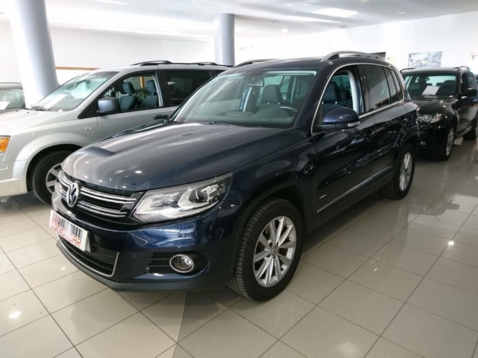 VOLKSWAGEN TIGUAN 2.0TDI 4X2 TECHO PANORAMICO: Compra venta de coches de CODIGOCAR