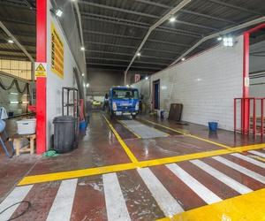 Cambio de aceite, mantenimiento, revisión, neumáticos, frenado...