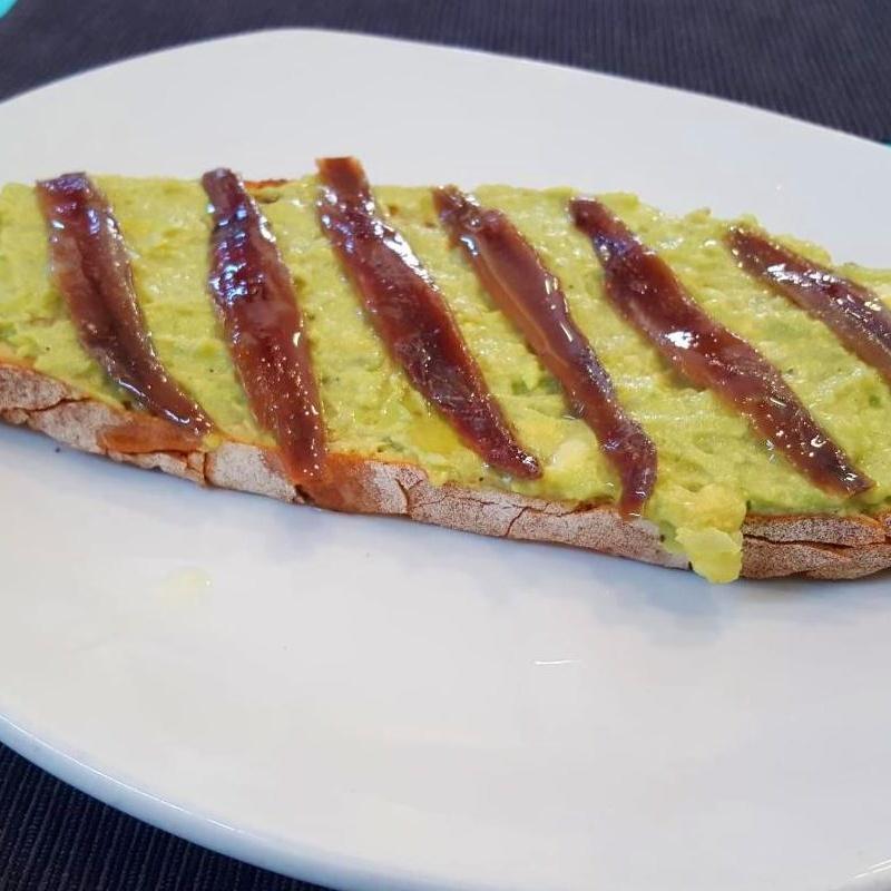 tostas en las tablas madrid restaurante Doña Elena