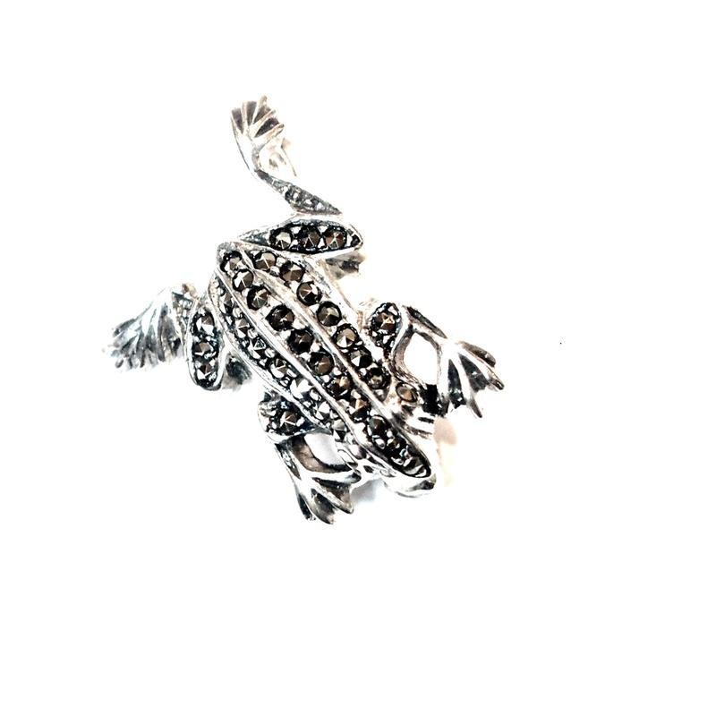 Broche Plata de 1º ley con forma de Rana y marcasitas AB-3031/00: Catálogo de Antigua Joyeros