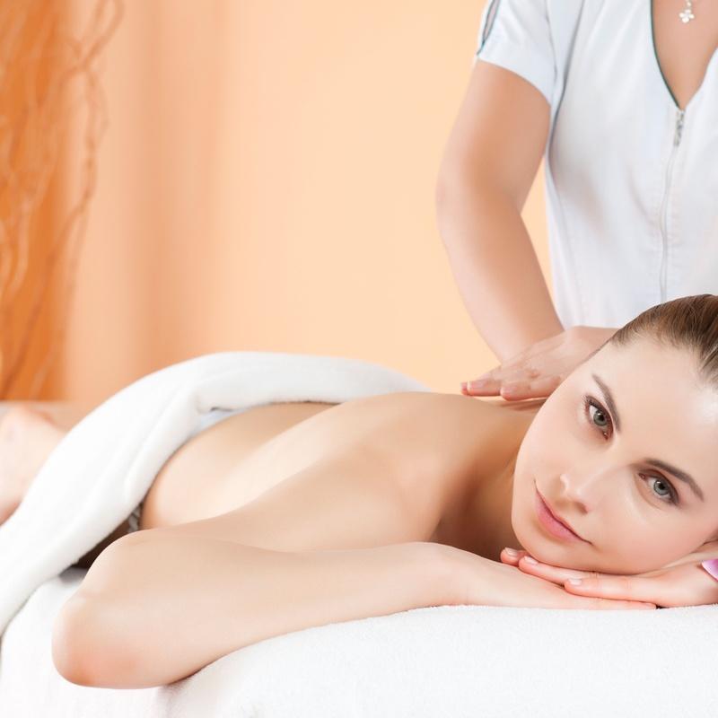 Masajes terapéuticos: Servicios de Alqiro