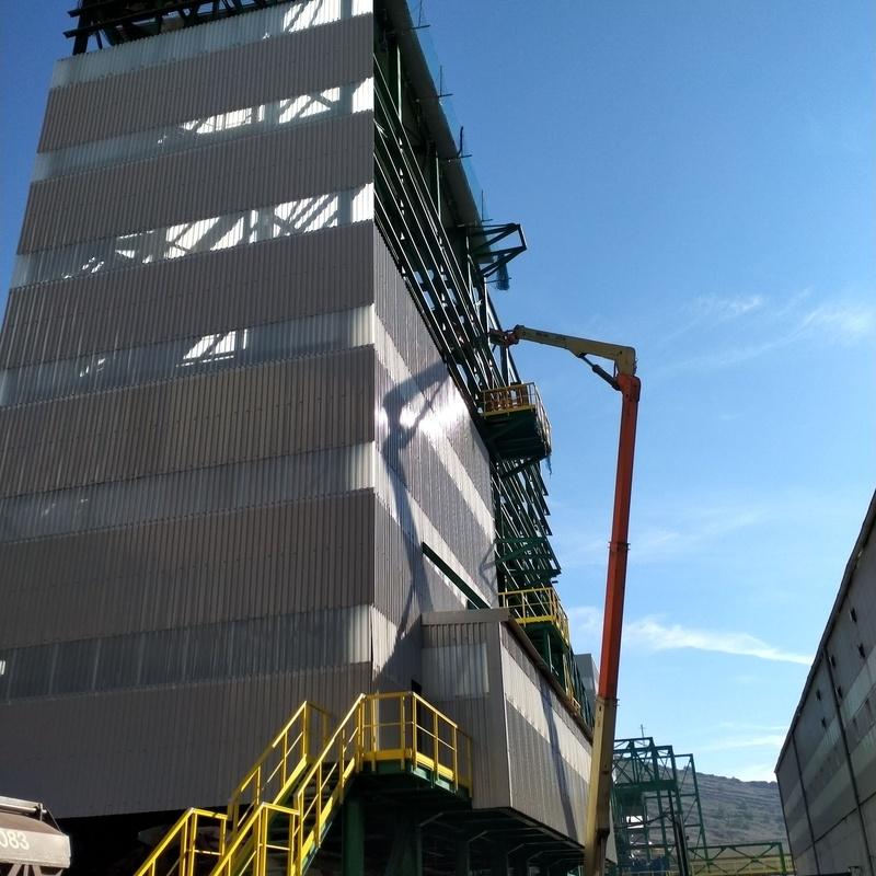Montaje fachada edificio carga trenes 30 x 45 x 11M3