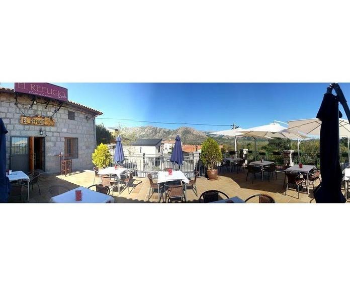 Terraza exterior: Instalaciones y especialidades de El Refugio de Oria