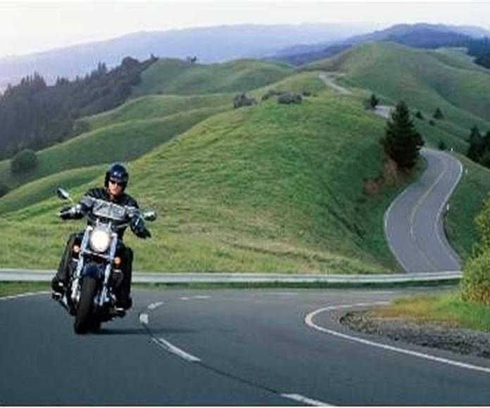 Seguro moto Allianz: Servicios de Pons & Gómez Corredoria d'Assegurances
