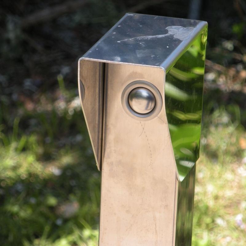 Pulsador de apertura en acero inoxidable para puerta exterior
