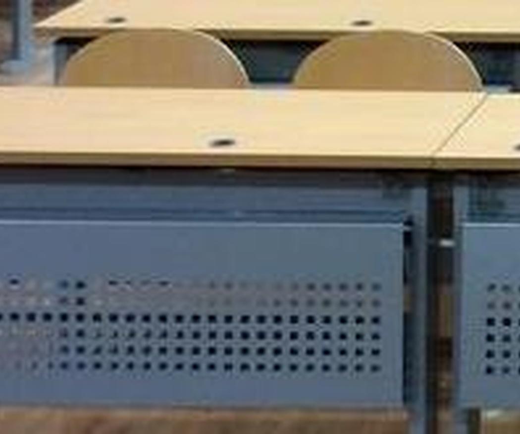 Electrificación de pupitres y mesas universitarias en Salamanca