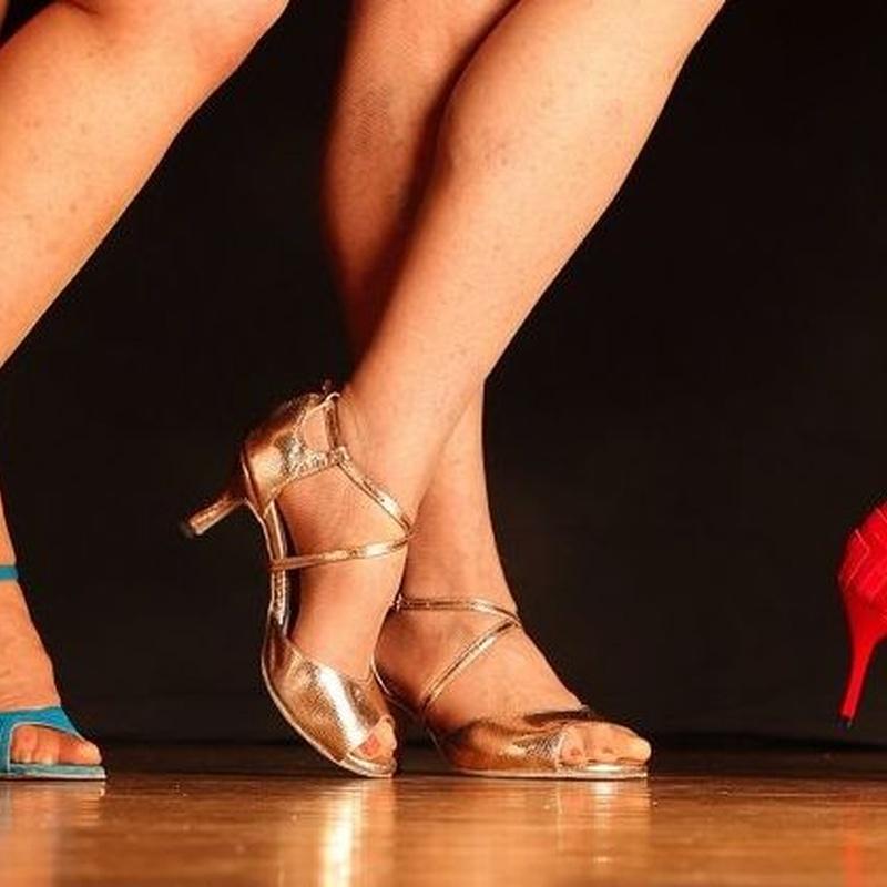 Clases estilo chica: Nuestras Clases de Bailes de Salón Daniel Sáez