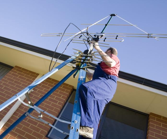 Instalaciones de antenas: Servicios de CNB Tecnologías