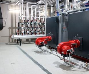 Instalación de tuberías calefacción y  agua caliente