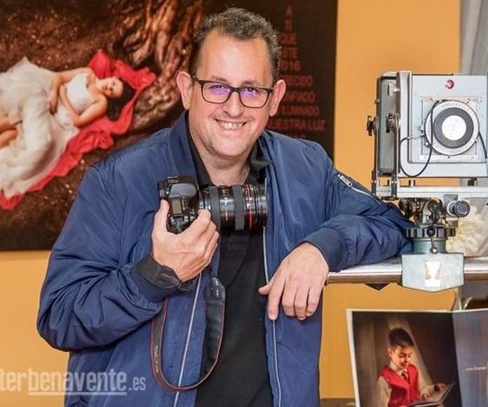 La FEPFI reconoce a Pablo González Vega como maestro fotógrafo.