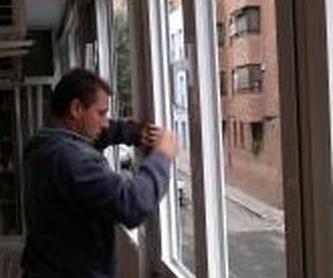 Cerramientos de Porches: Productos de Carpintería Metálica Alcarreña, S.L.