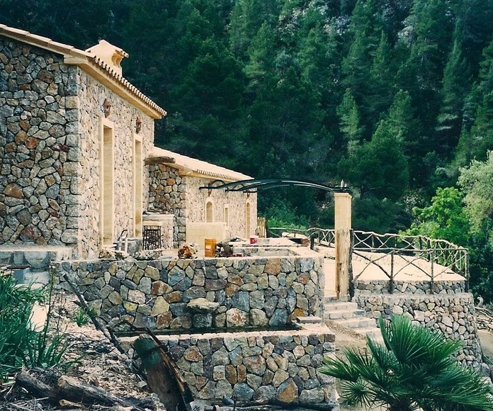 vivienda unifamiliar en piedra natural en seco