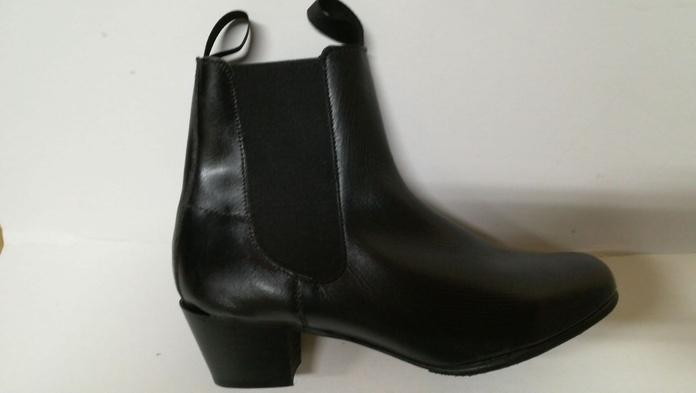 Modelo serie 3244: Productos de Calzados Malaca