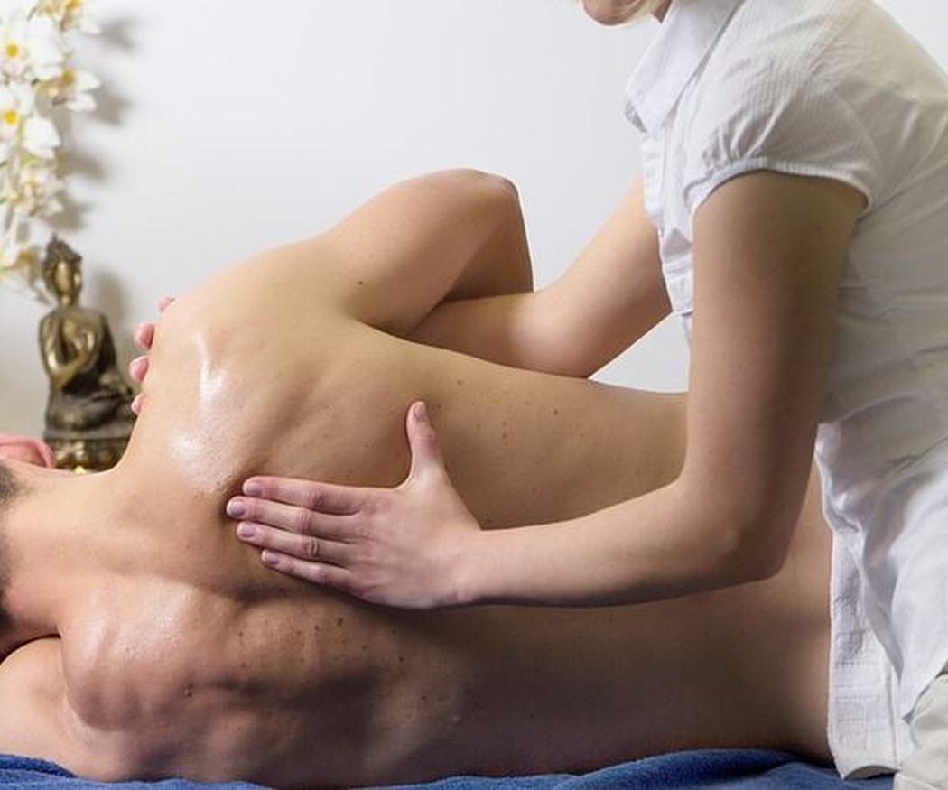 El estrés y la ansiedad en la relación se combaten con un buen masaje
