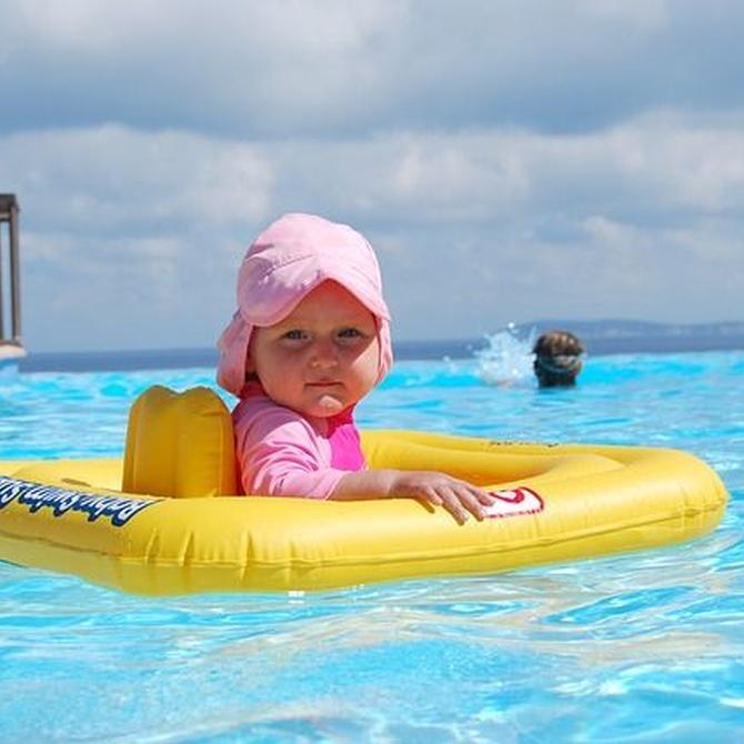 Bebés y piscinas: todos los beneficios