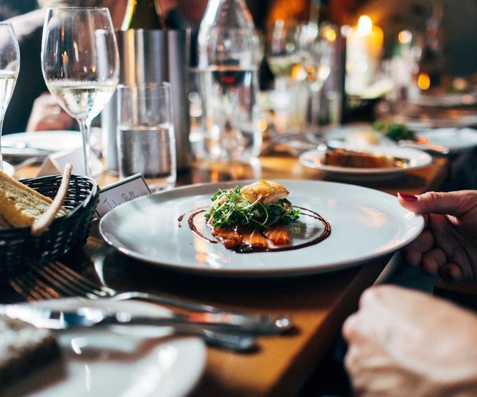 Comidas y cenas de empresa: Nuestra cocina de M-15 Bar