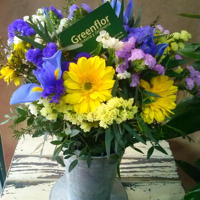 Bouquet de iris y gerberas.