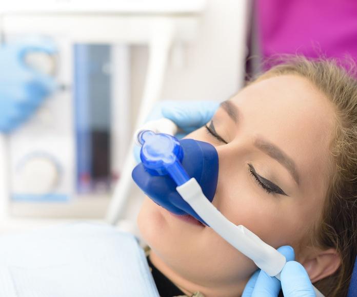Cirugías: Tratamientos de Clínica Dental Dra. Andrés