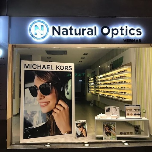 Escaparate Natural Optics Vermas