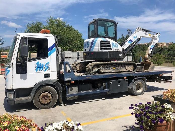 Camión portavehículos: Servicios de Transportes Miguel Socias e Hijos