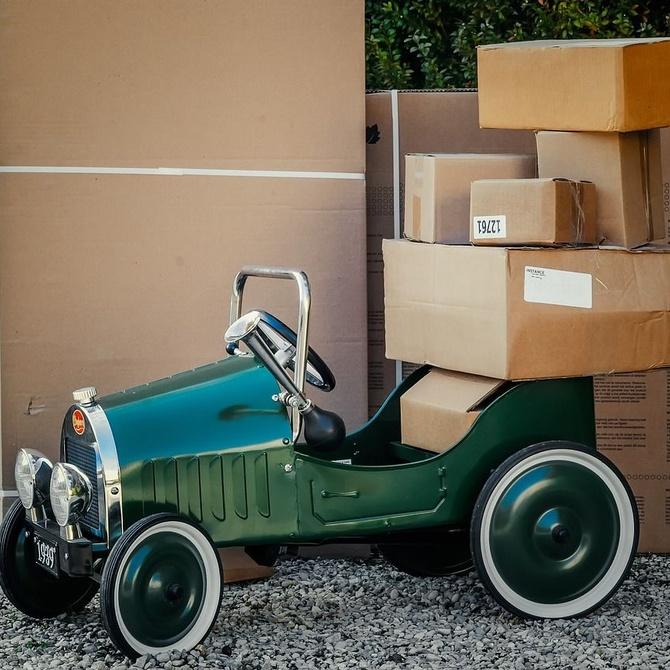 Personaliza las cajas de tus envíos para lograr un packaging único