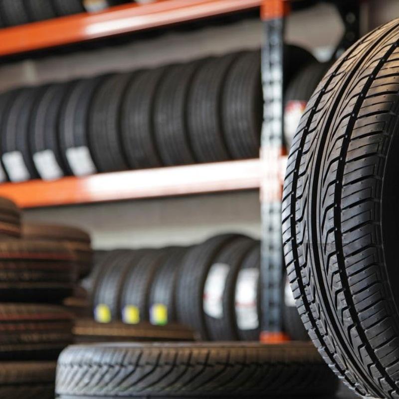 Neumáticos: Servicios de Lavadero & Neumáticos Rocío