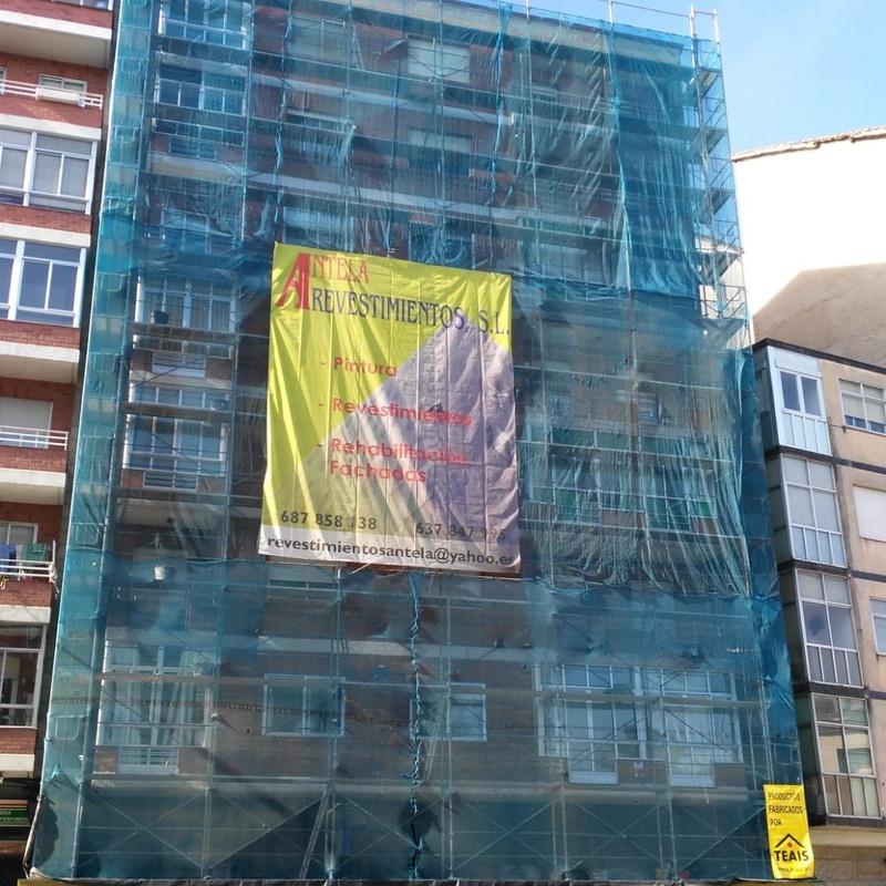 Montaje de andamios: Servicios especializados de Revestimientos Antela