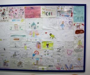 Un colage con los dibujos de nuestros niños.