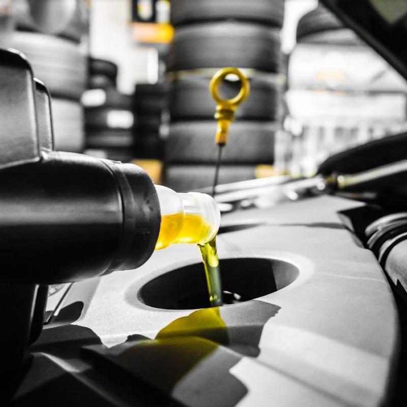 Mecánica rápida: Servicios de Neumáticos Mora