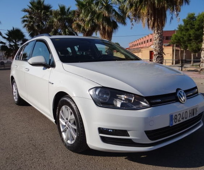 VOLKSWAGEN Golf Variant Bluemotion Business Navi 1.6 TDI 110 cv: VENTA DE VEHICULOS  de JUAN JOSE GALLAR MARTINEZ