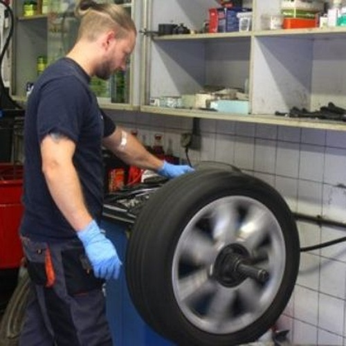 Sustitución de neumáticos en Castelldefels, Barcelona