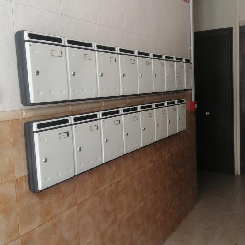 Buzones: Servicios de Puertas Y Armarios Zarautz