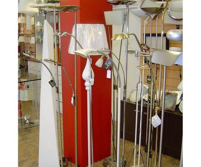 Pie: Productos y servicios  de Electricidad e Iluminación Iñaki