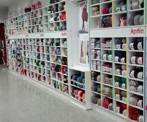 Interior de nuestra tienda de lanas