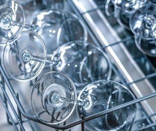 Cómo limpiar el lavavajillas de forma correcta