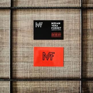 Logotipo nuevo y tarjetas nuevas
