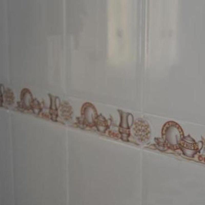 Solados y alicatados de baños, cocinas, terrazas...: Catálogo de servicios de Decoradec, S.L.