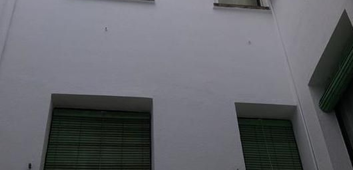 Pintar patio en Plasencia
