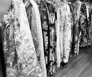 Guarda tus trajes falleros en Valencia por 5€ mes