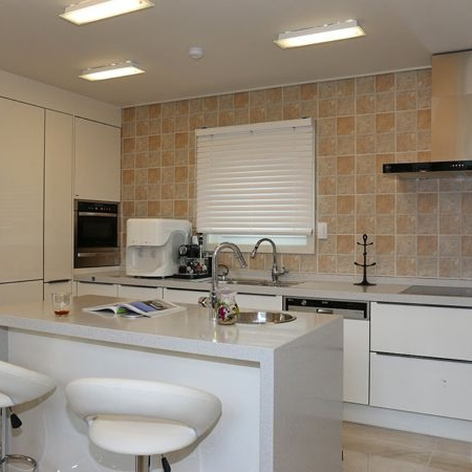 Claves para acertar en la decoración de los muebles de tu cocina