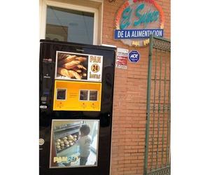 Máquina expendedora de pan 24 horas en El Alquián, Almería
