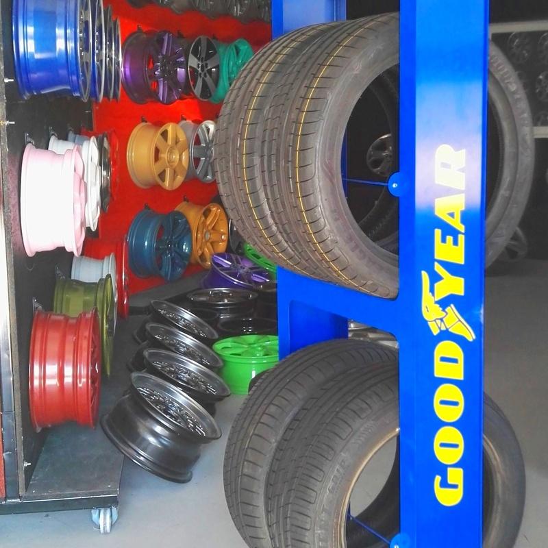 Cambio de Neumáticos: Servicios de Autorestore Plaza