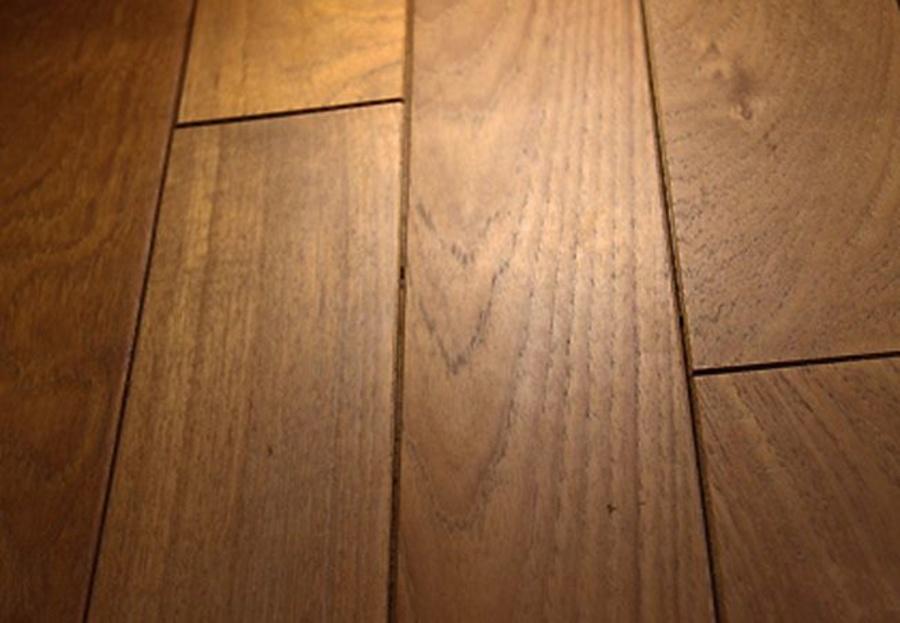 Varios modelos de suelos de madera para interior