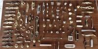 Gran surtido de tiradores y accesorios para personalizar su mueble.