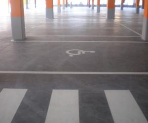 Pinturas suelos y señalización parking